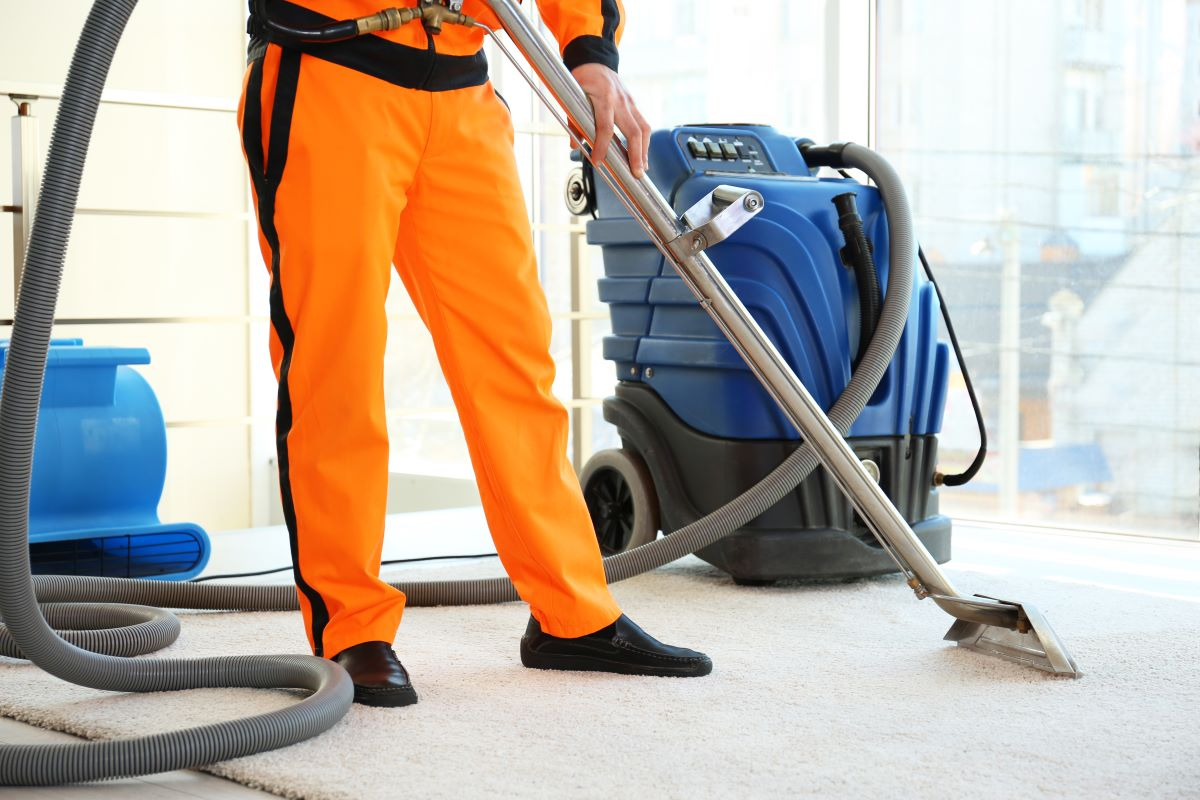 home cleaning service vacuum